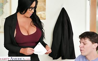 Primarily by oneself tidbit outstanding breasted MILFie crammer Sybil Stallone gives titjob