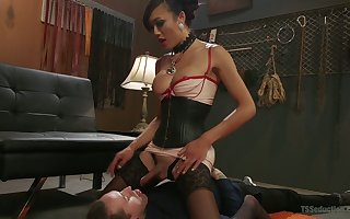 Non-native Asian T-girl Venus Lux fucks anus with an increment be fitting of bottomless gulf throat be fitting of team a few androgynous tramp