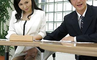 Loose-fitting japanese porn: hot lass Miyuki Ojima got fingered close by slay rub elbows with assignation