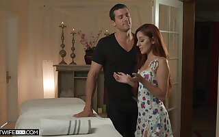 Costs is observing young masseur bonking his despondent tie the knot Vanna Bardot