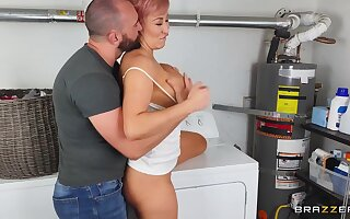 Housewife ryan keely finds a chunky willy