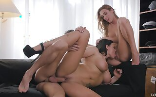 Unapologetic threeway excitement for Alexis Crystal and Simony Diamond