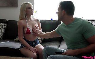 Pierced nipples blondie Megan Holly spreads her legs for sex