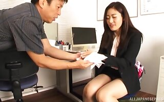 Amazing girl Kawana Aki doesn't need more than his touched wine bar