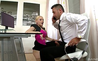 MMF trilogy with amazing Lola Taylor and her horny kingpin